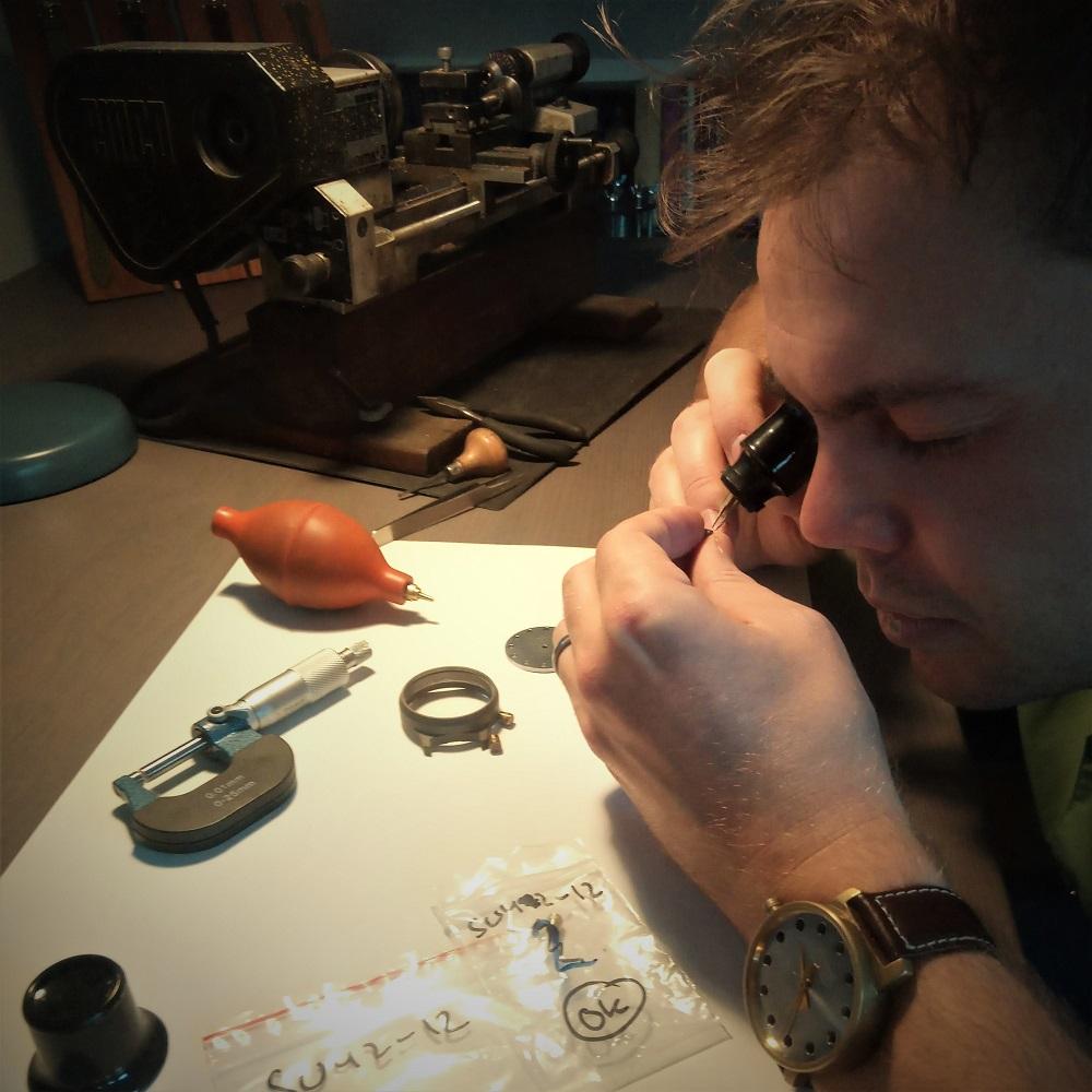 Behind the Scenes: Holme Finnilä at Levenaig Watches working on a titanium Levenaig screw-down crown.
